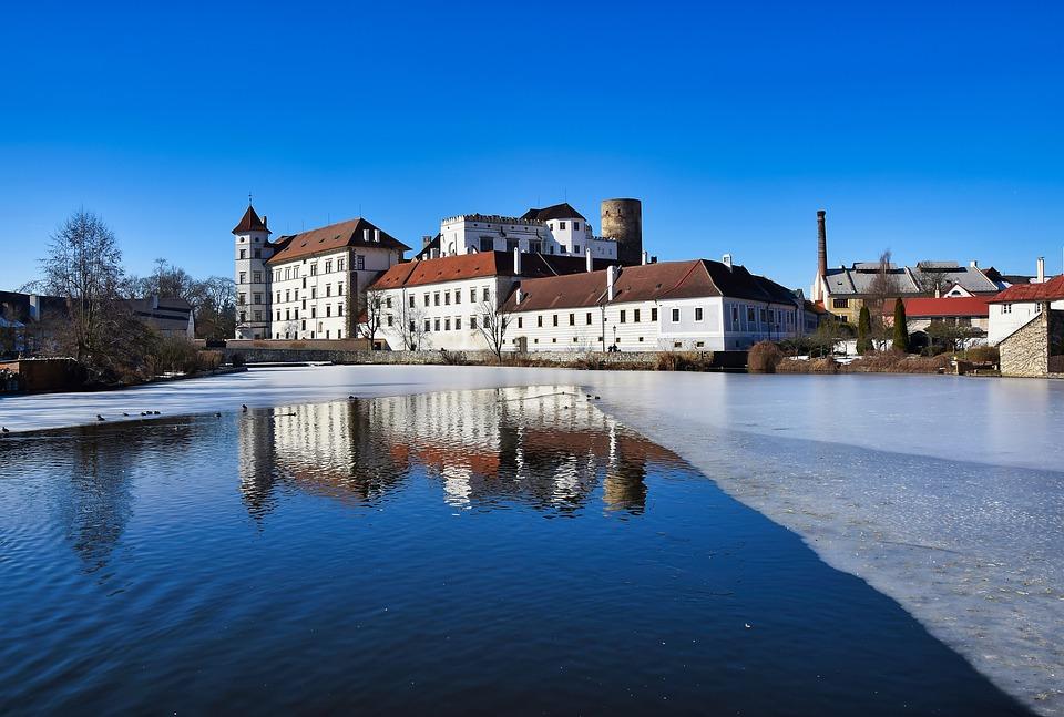 Free photo Jindřichův Hradec Reflection Castle Bohemia Winter - Max