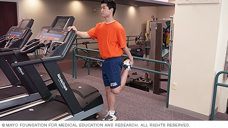 Slide show A guide to basic stretches - Mayo Clinic