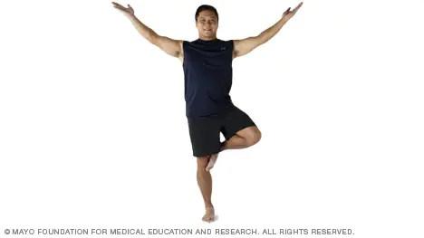 Slide show Balance exercises - Mayo Clinic