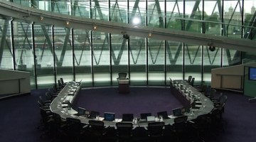 Social media users and photography are already welcome at London's City Hall.
