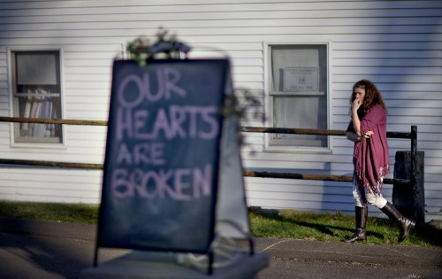 our-hearts-are-broken-sign-by-shop-owner-tamera-doherty-1