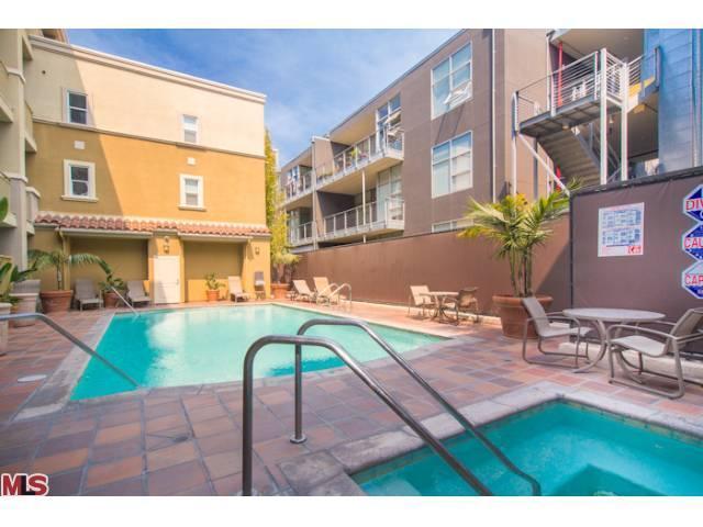 Del Rey Terrace Pool