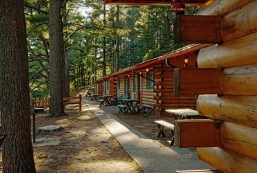 The Private Cabins at Meadowbrook Resort & DellsPackages.com in Wisconsin Dells