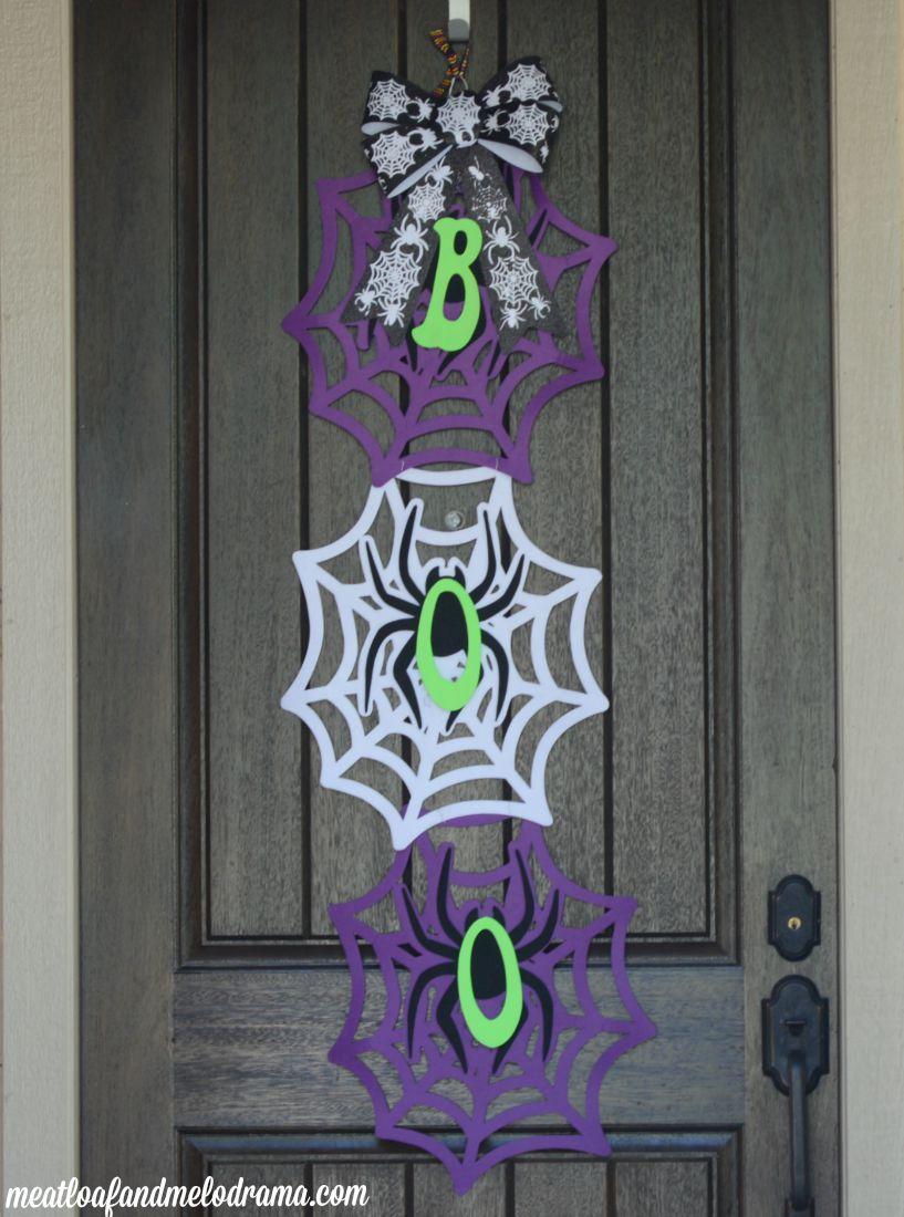 How to Make an Easy Halloween Door Hanger
