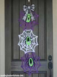 How to Make an Easy Halloween Door Hanger - Meatloaf and ...