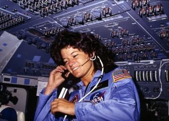 Sally Ride, prima donna americana nello spazio.