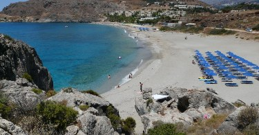 The beach of Damnoni east of Plakias
