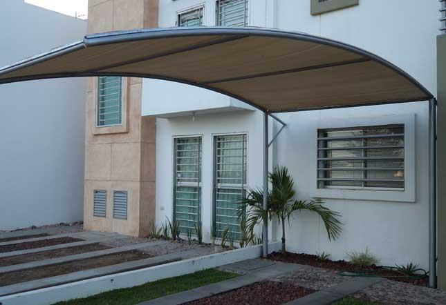 Toldos-Techos-Cubiertas-En-Malla-Sombra-y-Lona-Este-es-un - sombras para patios