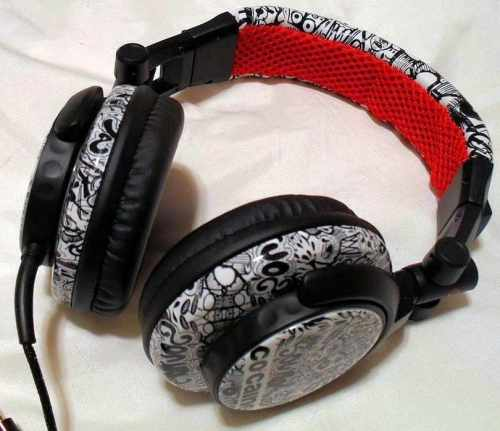 The News: Monday, September 2 Edition   5707 1 his co caine headphone sound clash urban style review full 500x431