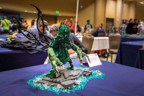 MEGATech Showcase: LEGO Creations and Playsets   The Madness From the Sea LEGO Cthulhu Statue 3 500x333
