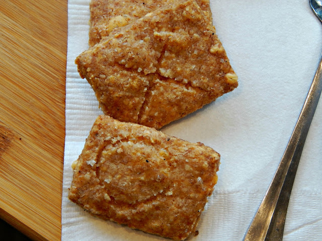 How to Make Whole Wheat Cheddar Crackers - Melissa Kaylene