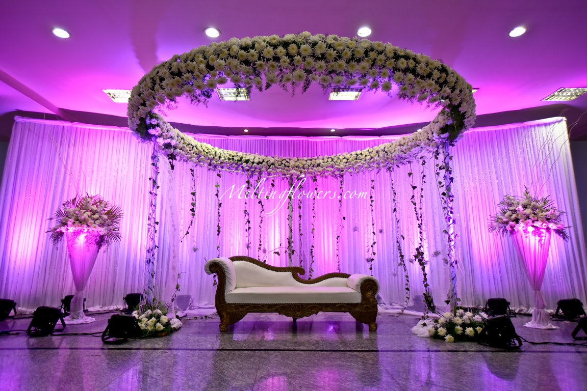 Cheap Black And White Wallpaper 8 Flower Decorations Ideas For A Beautiful Wedding With