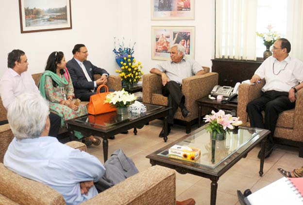 File Photo: Sunil Arora with members of News Broadcasters Association.
