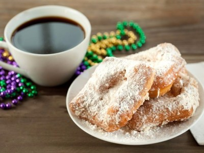 Beignet - How to Pronounce the Trickiest Menu Items   Merriam-Webster