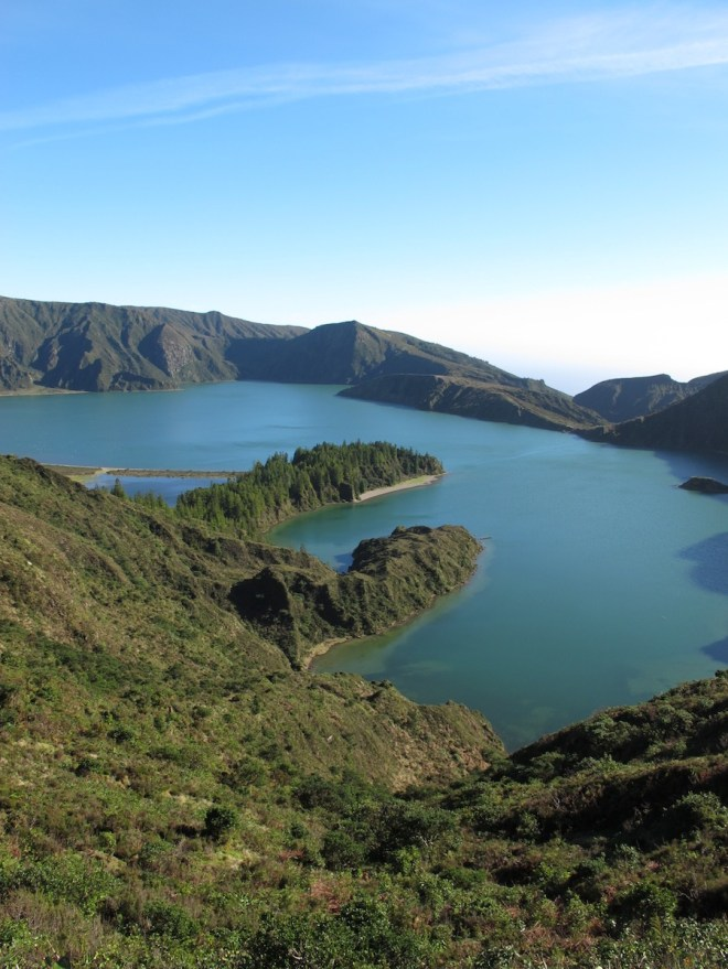 In the other direction, the brilliant crater lake Lagoa do Fogo (Lake of Fire).