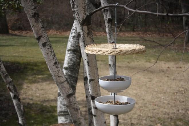 How to make a modern bird feeder using porcelain bowls.