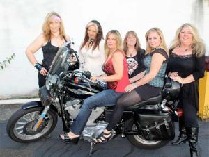 389079 319855651437206 880049104 n 300x226 All female tribute bands