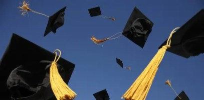 Graduation-hats-flying11