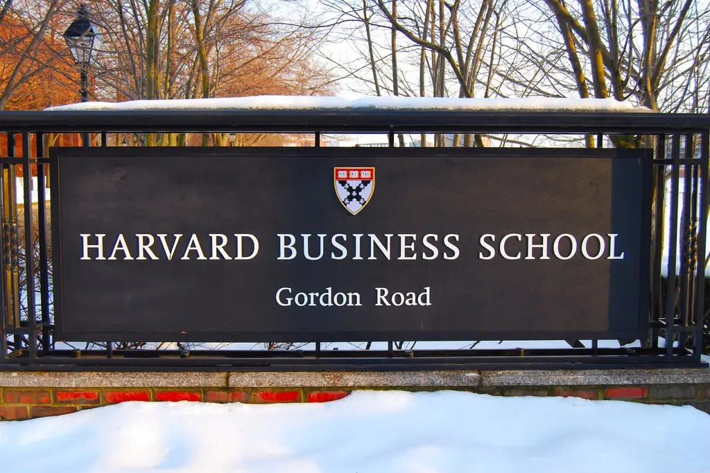 Parsons Fashion Art And Design School In New York The Hbs Holds 22 Program Information Session Metromba