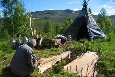 2 Capo Nord 2008_Tende Sami concia delle pelli, Norvegia