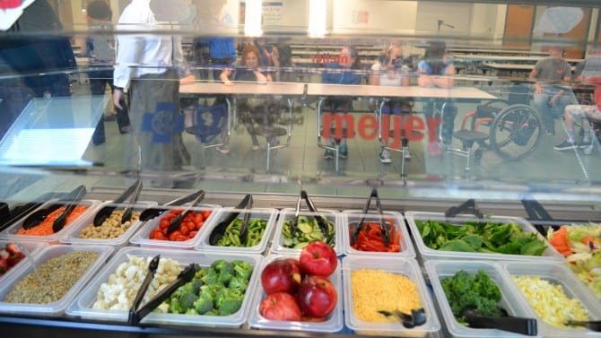 School Salad Bars Give Students a Fresh and Healthy Choice