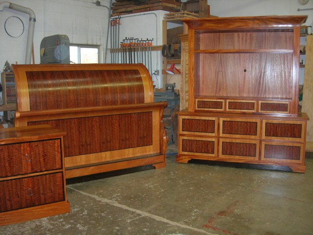 Mahogany sleigh bed set