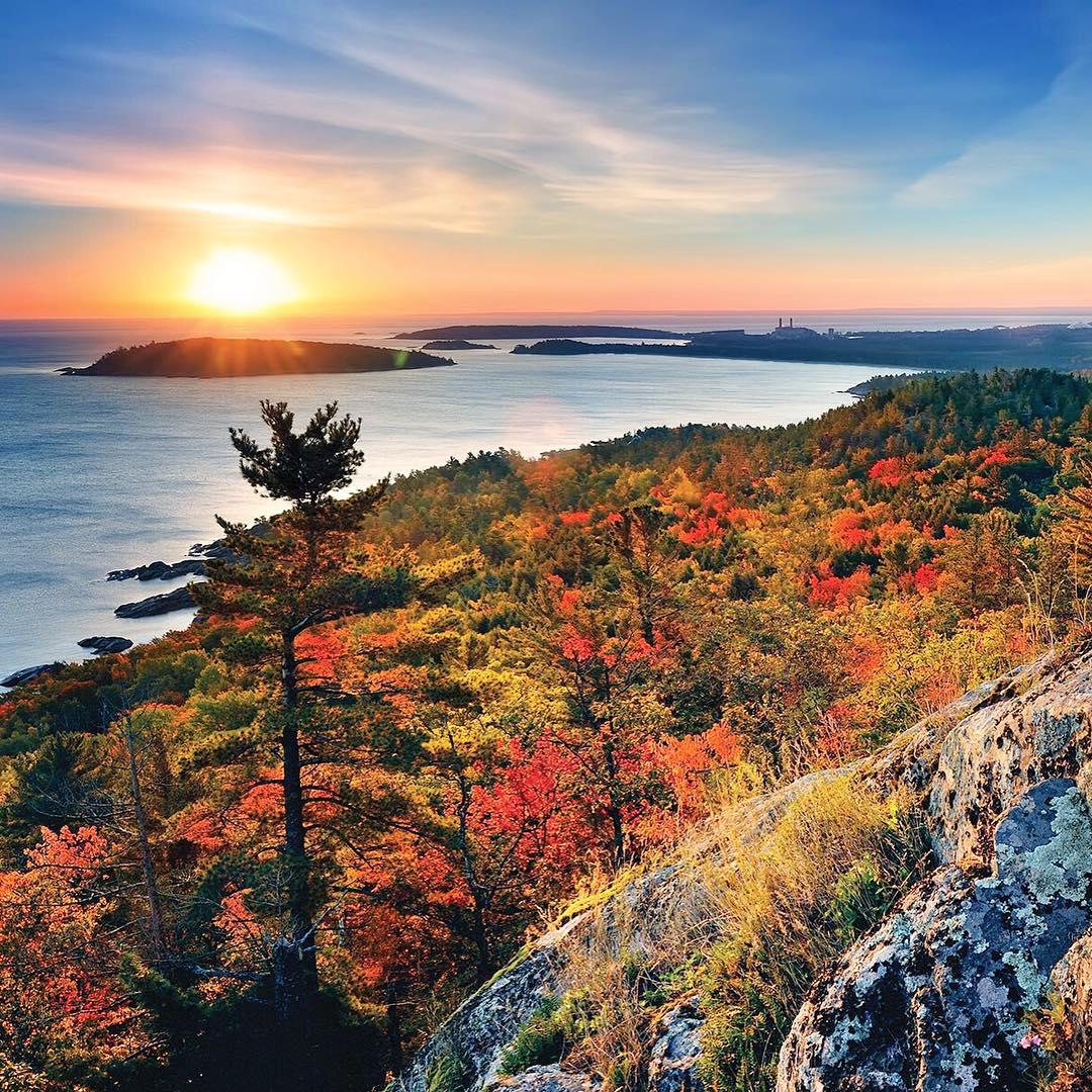 Pure Michigan Fall Wallpaper Pure Michigan Hiking Trails To See Brilliant Fall Colors