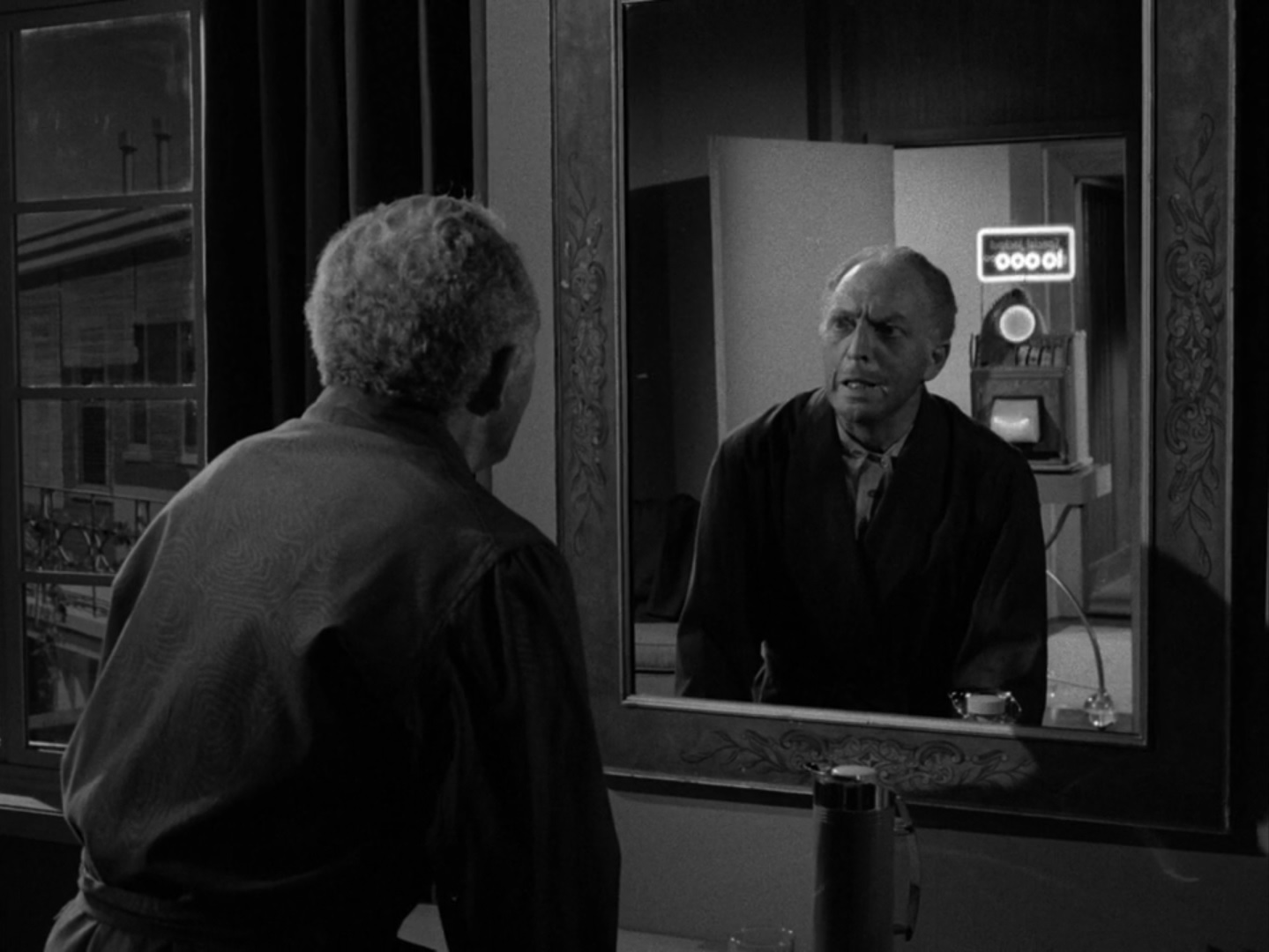 twilight zone thesis Especially remarkable is the level of nuance employed by beaumont while exploring his central thesis twilight zone the twilight zone episode 41: the howling.