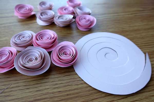 How To Make A Paper Flower Pomanderkissing Ball Diy Wedding20 Diy