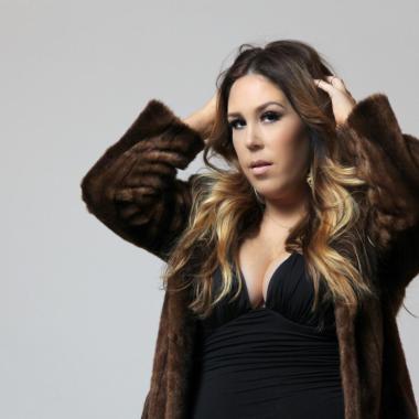 Nashville's Holly Elle Flips That Script On New Power Pop Single