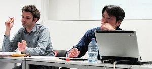 Johnny Van Hove (l.) und Kien Nghi Ha (r.) auf einer Diskussion in Bremen (Foto: www.migazin.de)