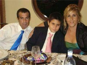 Juan Santos Sierra con su mujer e hijo en Almendralejo (Badajoz) de dónde era.