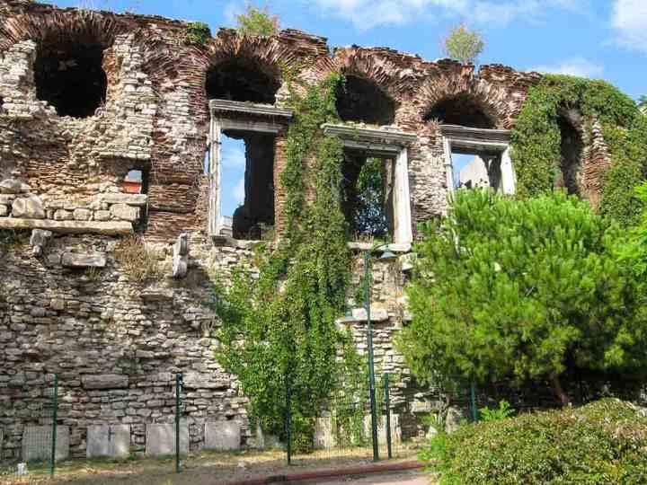 bucoleon-palace