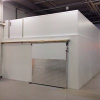 Chiller coldrooms with roof storage