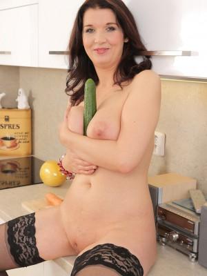 lesbian cucumber