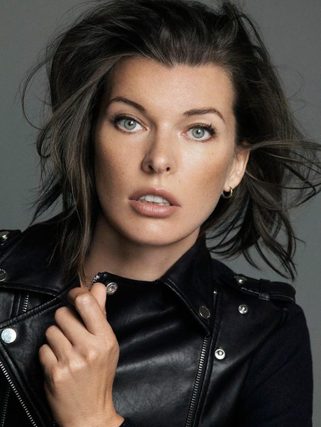 Black Wallpaper Girl Millaj Com The Official Milla Jovovich Website