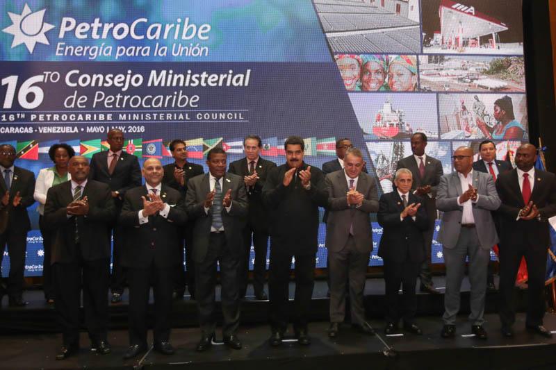 Presidente Maduro destaca fortaleza de Petrocaribe para diversificar fuentes de energía