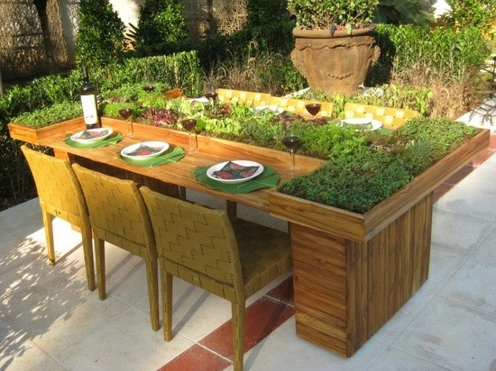 Table from wooden pallets creative ideas for balcony and garden