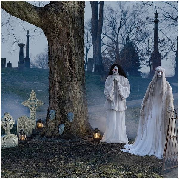 Halloween-decoration-ideas-Halloween-props-ghosts-graveyardjpg (600 - halloween decoration images
