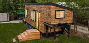 Ruinée par un divorce, elle construit sa (sublime) maison pour… 10.000 euros!