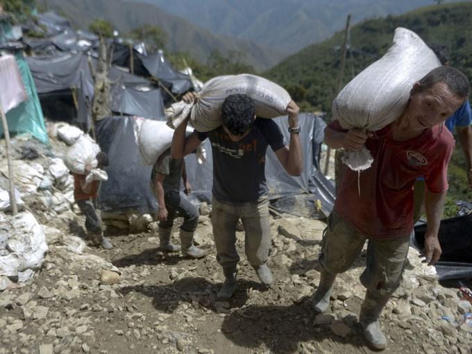 photo3A 800 600 Copiar Nuevos mineros formalizados en el Bajo Cauca.
