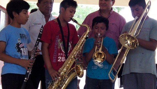 Liborio Vidal escucha una historia musical