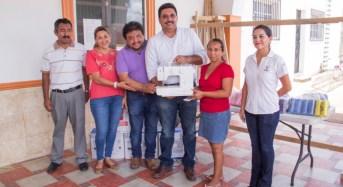 Jefas de familia de Cuncunul reciben apoyos para mejorar su economía