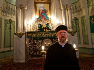A 2010 photo of Father Yeznig Zegchanian of Forty Martyrs Armenian Apostolic Church in Aleppo, Syria.