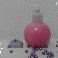 [:de]Schaumbad mit Beeren[:fr]Produit moussant pour le bain à la mûre pétillante[:]