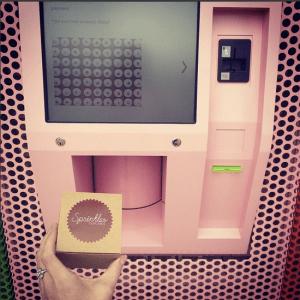 atm-cupcake-machine-vending-pink-sprinkles-nyc