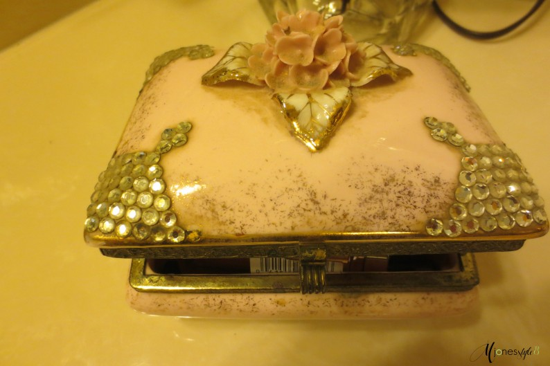 #pink vintage jewelry box