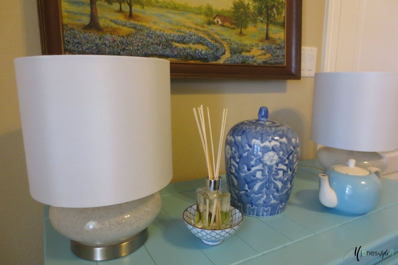 #white lamps#blue and white decor
