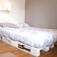 Un cadre de lit à base de palettes