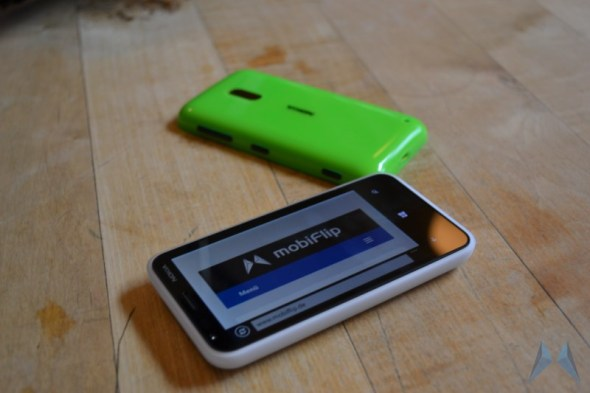 Nokia Lumia 620 Windows Phone (8)